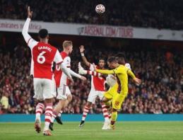 """Incidentas """"Arsenal"""" rungtynėse: Arteta buvo nustebęs, kaip iš aikštės nebuvo išvarytas McArthuras"""