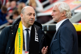 """""""Bayer"""" vadovas piktinasi """"Premier"""" klubų finansinėmis galimybėmis"""