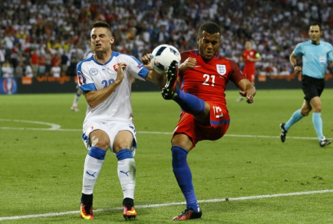 Anglai neįveikė slovakų ir B grupėje liko antri (FOTO, VIDEO)