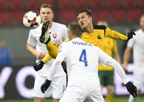 Lietuvos rinktinė turėjo pripažinti Slovakijos futbolininkų pranašumą (FOTO)
