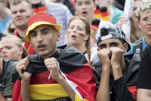 Vokiečių tragedija: Pietų Korėja sensacingai iš turnyro eliminavo pasaulio čempionus (VIDEO, FOTO)