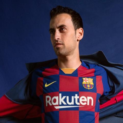 """""""Barcelona"""" pristatė kito sezono namų aprangą"""