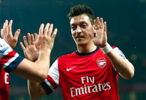 """Paviešintos būsimos """"Arsenal"""" ir """"Barcelona"""" aprangos"""