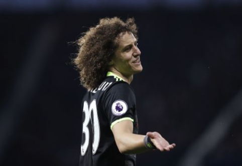 """D. Luizas atskleidė, kad prieš sugrįždamas į """"Chelsea"""" susimažino algą"""