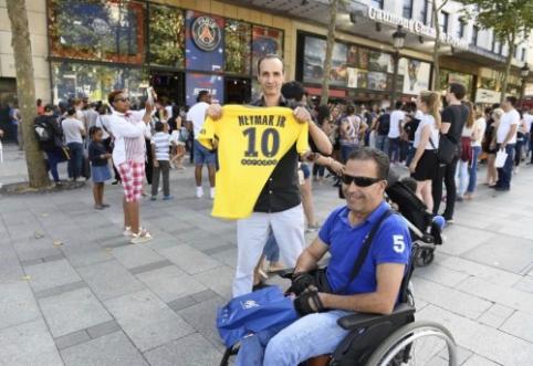PSG per dieną pardavė tūkstančius Neymaro marškinėlių