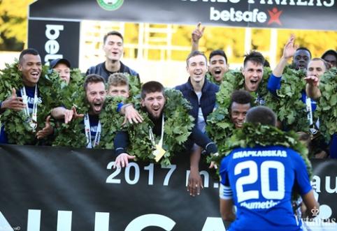 """""""Žalgirio"""" dominavimas Lietuvoje baigtas: LFF taurė """"Stumbro"""" rankose (VIDEO)"""