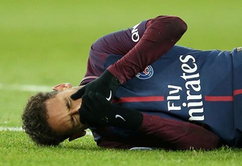 """Dėl Neymaro traumos kaltinama ir bendrovė """"Nike"""""""