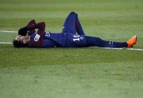"""Aikštę ant neštuvų palikęs Neymaras gali būti priverstas praleisti dvikovą su """"Real"""" (VIDEO)"""
