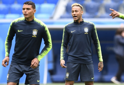 T. Silva: Neymarui reikia pasimokyti manierų