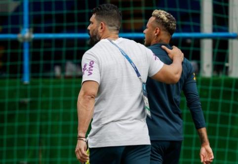 Neymaras priverstinai paliko Brazilijos treniruotę