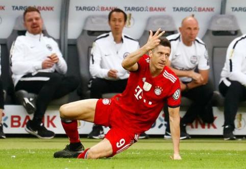 """R. Lewandowskis dar kartą kreipsis į """"Bayern"""" dėl noro išvykti"""