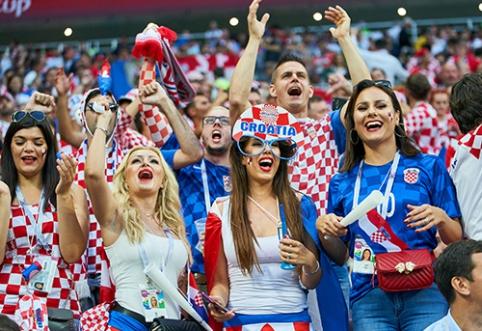 Rusai pasipiktino FIFA draudimu rodyti seksualias moteris