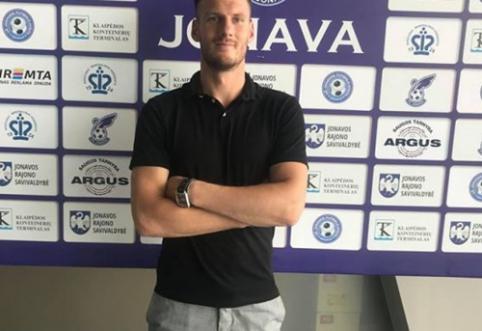 """""""Jonavos"""" sporto direktoriumi tapo dar visai neseniai klubo vartus gynęs T. Simaitis"""