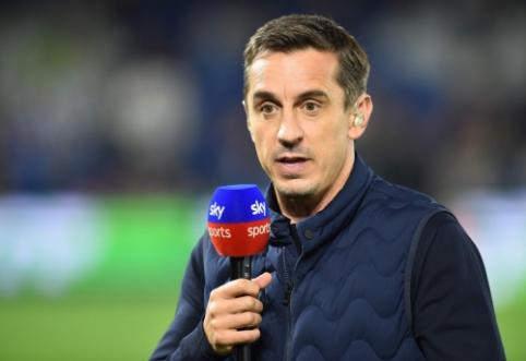 """G. Neville'as piktinasi toliau: """"Tai – nusikaltimas prieš Anglijos futbolo gerbėjus"""""""