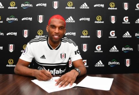 """Oficialu: """"Fulham"""" sukirto rankomis su R. Babeliu"""