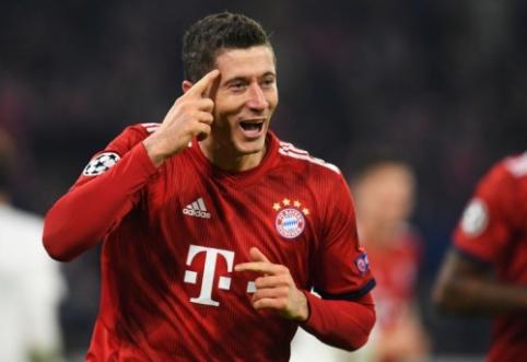 """Vasarą permainų ieškojęs R. Lewandowskis sutiktų karjerą baigti """"Bayern"""" klube"""