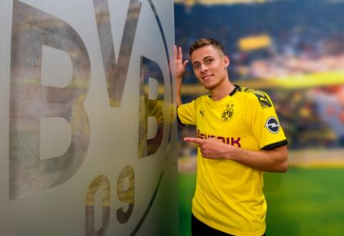 """Oficialu: """"Borussia"""" už 25 mln. eurų įsigijo T. Hazardą"""