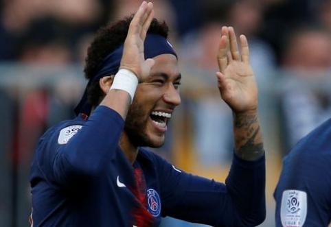"""Neymaras svariai prisidėjo prie pergalės prieš """"Angers"""""""