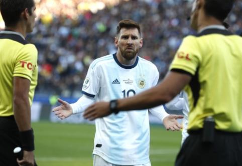 """Ant podiumo lipti atsisakęs L. Messi: """"Nenorime būti korupcijos dalimi"""""""