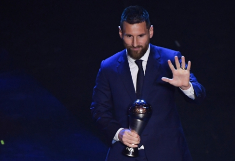 FIFA apdovanojimų ceremoniją aptemdė pranešimai apie suklastotus balsus