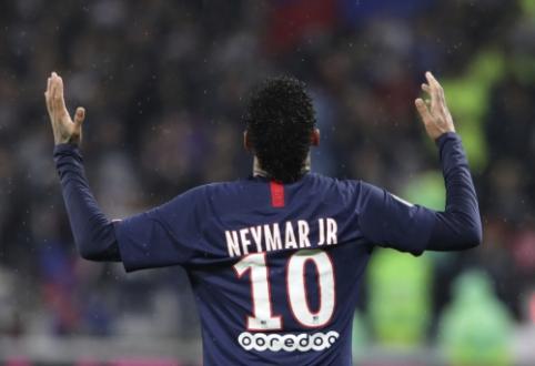 """A. Herrera tiki, kad Neymaras gali laimėti """"Ballon d'Or"""" apdovanojimą"""