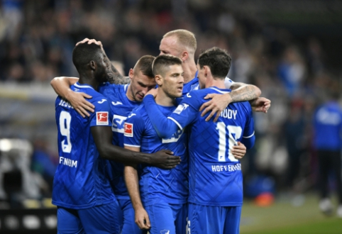"""""""Schalke"""" nepasinaudojo galimybe tapti """"Bundesliga"""" pirmenybių lydere"""