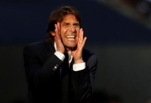 """""""Juventus"""" fanai ragina iš šlovės alėjos pašalinti A.Conte"""