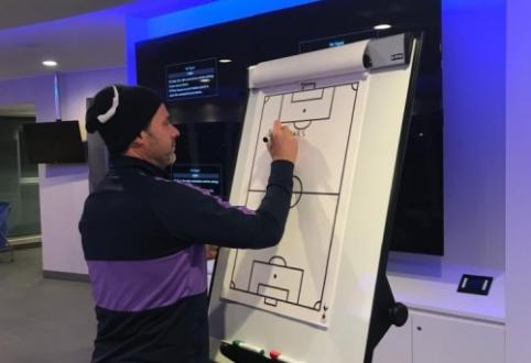 """M. Pochettino atsisveikinimas su """"Tottenham"""" žaidėjais – ant taktinės lentos"""