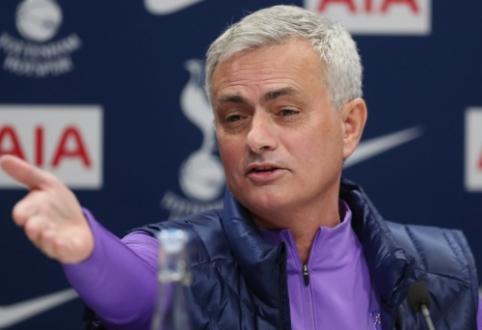 """J. Mourinho: """"Kitą sezoną kovosime dėl """"Premier"""" lygos titulo"""""""