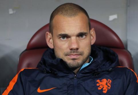 """W. Sneijderis: """"Galėjau tapti Messi ir Ronaldo lygio žaidėju"""""""