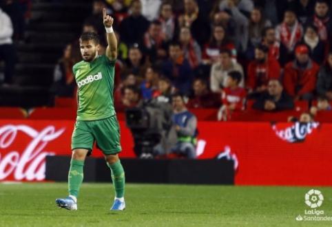 """""""Real Sociedad"""" mačo pabaigoje pranoko """"Granada"""", """"Villarreal"""" išsiskyrė taikiai su """"Athletic"""""""