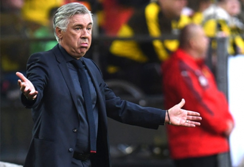 """Spauda: naują trenerį suradusi """"Napoli"""" pasiruošusi atleisti C.Ancelotti"""