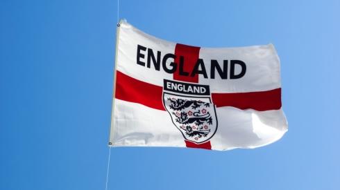 Calvertas-Lewinas, Barnesas ir Saka pirmą kartą pakviesti į Anglijos rinktinę