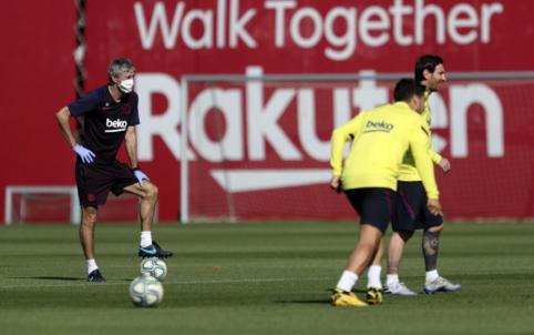 "Q. Setienas – apie L. Messi galimybes žaisti prieš ""Mallorca"" ir L. Suarezo būklę"