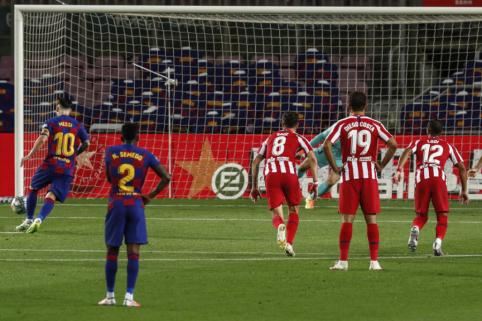 """""""Barcelona"""" ir """"Atletico"""" dvikovoje – 11 m baudinių fiesta ir """"Real"""" klubui palankios lygiosios"""