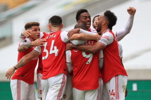 """""""Arsenal"""" sudavė skaudų smūgį """"Wolves"""" ambicijoms kovoje dėl vietos Čempionų lygoje"""