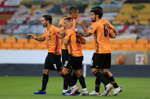 """""""Wolves"""" prasmuko į Europos lygos ketvirtfinalį"""