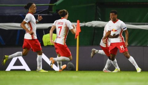 """""""RB Leipzig"""" rungtynių pabaigoje palaužė """"Atletico"""" ir netikėtai žengė į Čempionų lygos pusfinalį"""