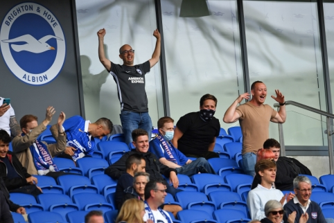 Anglijoje fanų sugrįžimo į stadionus dar teks palaukti