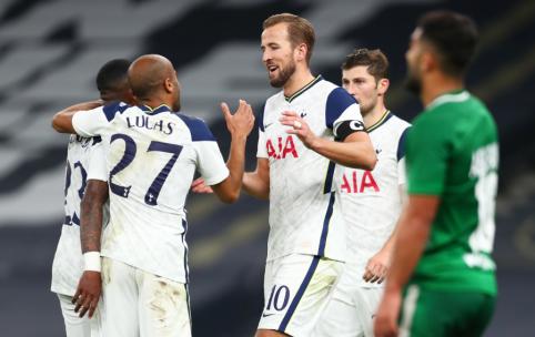 """Triuškinančią pergalę pasiekę """"Tottenham"""" futbolininkai iškovojo kelialapį į Europos lygą"""