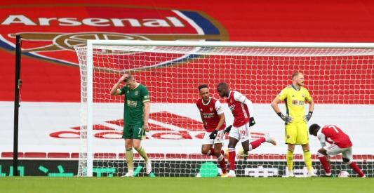 """""""Arsenal"""" ir """"Wolves"""" šventė pergales Anglijoje"""