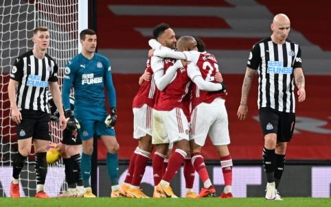 """""""Arsenal"""" nesunkiai susidorojo su """"Newcastle"""""""