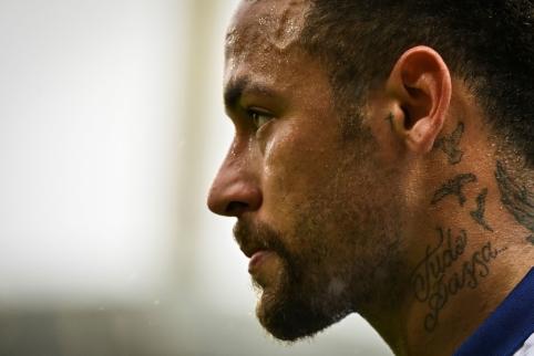 J. Laporta nelaidoja vilčių prisišaukti Neymarą