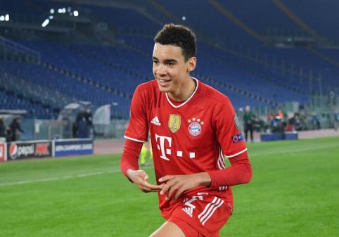 """Perspektyvusis J. Musiala pasirašė ilgalaikį kontraktą su """"Bayern"""""""