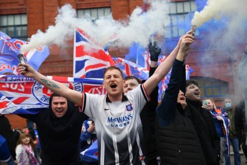 """""""Rangers"""" po ilgos pertraukos tapo Škotijos čempione"""