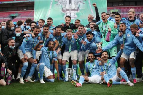 """""""Man City"""" ketvirtą kartą iš eilės iškovojo Anglijos lygos taurę"""