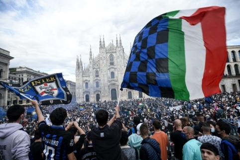 """""""Inter"""" tapo Italijos čempione, triumfą paminėjo tūkstančiai sirgalių"""