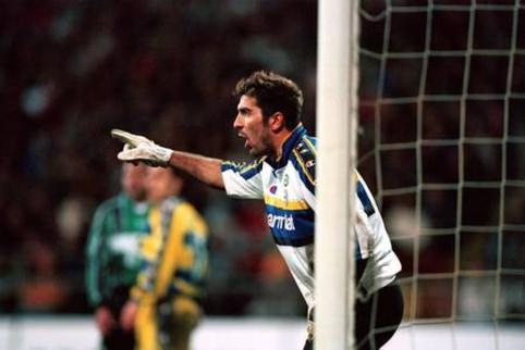 """Oficialu: G. Buffonas grįžta į """"Parma"""""""