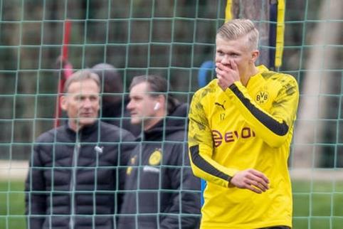 """""""Borussia"""" surado galimą keitimą E. Haalandui"""