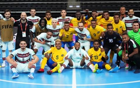 Futsal: lengvas Kazachstano žingsnis ir Pietų Amerikos gigantų vargai